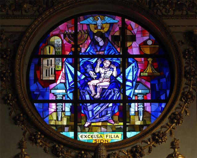 Rose window by János Hajnal, Basilica di Santa Maria Maggiore, Roma